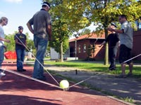Teambuilding Outdoor Teamspiel: Bombentransport